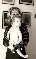 Mother and Baby (manu/manuela) Tags: paris france me childhood 1971 child mother happiness moi amour scanned enfant francia bonheur amore madre maternit anni70 parigi bambino mre felicit maternita annes70 materniy cmwdblack monfilsetmoi miofiglioedio