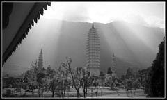 The three Pagodas - Dali - China (M.Bob) Tags: china travel bw asia yunnan dali sog abigfave aplusphoto diamondclassphotographer betterthangood