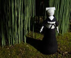 spring sun (beruta) Tags: green stuffed handmade linen sakura springsun clothdoll bambuforest japaneselady blackkimono