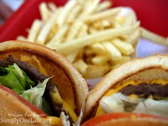 40/365 In n Out ([ Melissa   Pauquette ]) Tags: california sandiego burger lettuce fries onion innout cheeseburgers olympuse500 project365