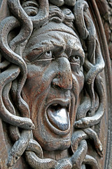 Mduse (ClydeHouse) Tags: paris iii porte medusa marais portail gorgon 3e mduse byandrew 75003 gorgone ruevieilledutemple vieilledutemple hautmarais