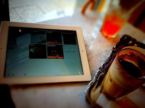 iPad2を持ってお出掛けなう。 by amanoyu