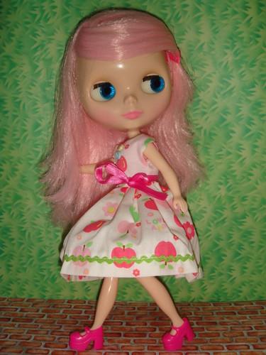 Peggy in pink by chris_blondie.