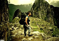 Onde minhas pernas me levaram (TLMELO) Tags: film peru inca brasil trekking hiking hike climbing trail backpacking backpack tiago filme machupicchu porter thiago justdoit ican mountaineer porters trilha melo mountaineers idid montanhista impossibleisnothing keepwalking carregador thiagomelo carregadores tlmelo dotheimpossible