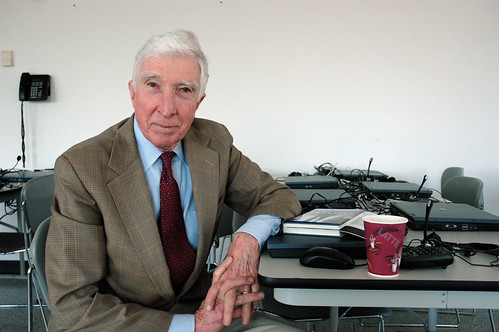 2087336602_6687e3a1e2 - JOhn Updike (76) died today  from lung cancer - Philippine Business News