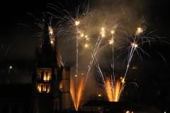 Feu d'artifice du nouvel an 2008 à Mende (cilpale) Tags: france europe cathedral fireworks cathédrale nuit feu dartifice artifice cathedrale mende lozere lozère