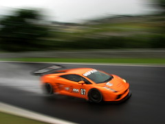 Vanishing Point (Alemiro Jr.) Tags: orange wet brasil speed canon agua flickr laranja racing spray explore paulo sao panning s3 lamborghini corrida gp gallardo digest interlagos alemiro