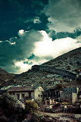Mining Town (Luis Montemayor) Tags: wall clouds mexico pared town pueblo cerro nubes realdecatorce sanluispotosi dflickr dflickr180307 dflickr1800307