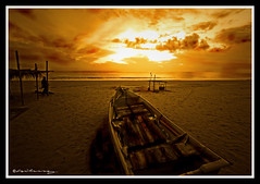 I could not find my boat that morning (hilmy2007) Tags: morning sea sky orange cloud beach boat fisherman sand pantaibatuburuk subuh hilmy2007