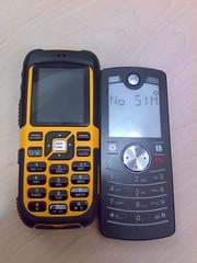 Sonim XP1 vs Motofone F3.jpg