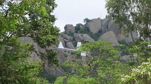 yOgalakshmi narasimha temple nestling in the rocks 050408