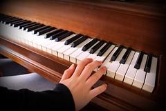 Hitting a high note (Jaedde & Sis) Tags: music hand piano hanne photofaceoffwinner challengegamewinner pfogold