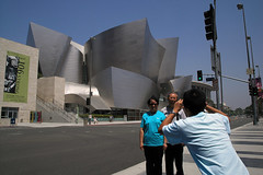 Tourists at the Walt Disney Concert Hall (juicyrai) Tags: camera architecture geotagged la losangeles downtown snapshot gehry disney tourists touristy titanium frankgehry cheesey bunkerhill waltdisneyconcerthall disneyconcerthall geo:lat=34054302 geo:lon=118249869