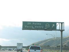 I-10 West Exit 117 (sagebrushgis) Tags: california sign i10 overhead riversidecounty interstatehighway biggreensign ca62 californiastatehighway