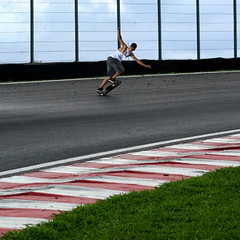 "Felipe ""Boy"" (Marcelo Mug) Tags: boy brasil tail slide downhill autdromo longboard mug skateboard backside paulo asfalto marcelo so felipe interlagos curva"