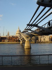 Millenium Bridge, and St Paul's Cathedral (Monica Arellano-Ongpin) Tags: london southbank milleniumbridge stpaulscathedral northbank