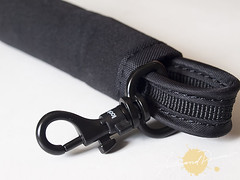 PacSafe CarrySafe Sleeve, Strap and anchor