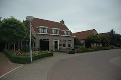 a farmstyle house within the new quarter (trekamerikalover) Tags: hometown dutchhouses autumnfolliage