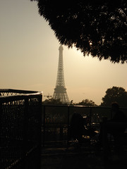Eiffel Tower - Sunset (marianne85) Tags: sunset paris france tower les museum garden de la soleil tour place louvre coucher jardin eiffel du muse le concorde tuilleries