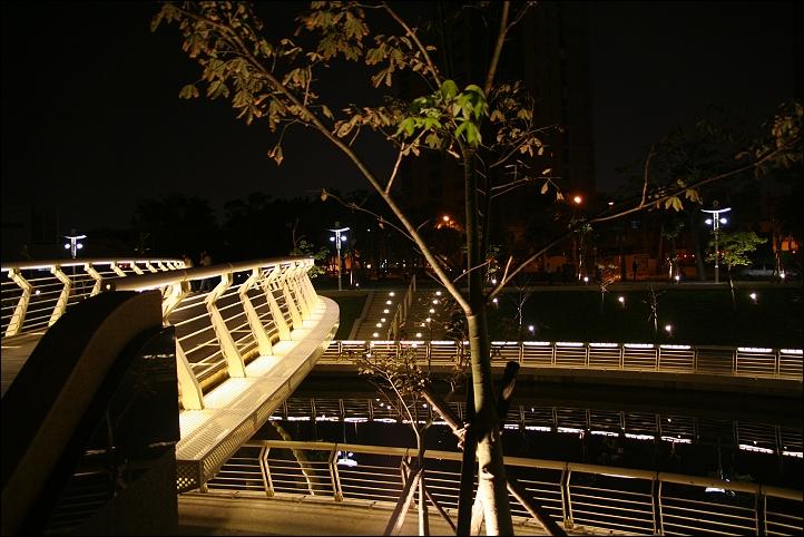 2007國旅卡DAY3(愛河之心、愛河愛之船)011