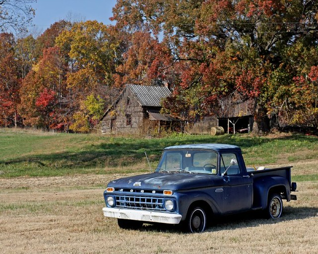 fall barn rural canon farm country pickup f100 fordtruck 1740f4l fordf100 40d canon40d canon1740f4lusmgroup