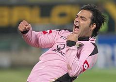 Yeaaaaahh!!! (corrao) Tags: canon football soccer sicily palermo favorita futebol sicilia calcio stadio seriea miccoli stadiorenzobarbera canon40d fabriziomiccoli palermofiorentina20