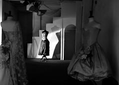 primadonna e damigelle (Hic et illic) Tags: bw shop dress ombra provence bianco nero luce manichini contrasto sartoria riflettori