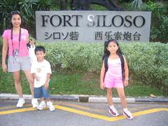 122_2221 (Jill .... back in the Philippines) Tags: travel kids singapore sentosa underwaterworld