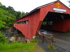 Taftsville covered bridge, Vermont (drurydrama (Len Radin)) Tags: road bridge river vermont slow coveredbridge roadsign portal smrgsbord blueribbonwinner taftsville barnboard golddragon anawesomeshot ultimateshot diamondclassphotographer flickrdiamond excellentphotographerawards betterthangood llovemypic photominoalphabet