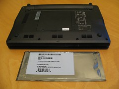 The back of the EEEPC and the package of new memory