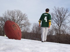 17: There Goes My Hero (Gopher Topher) Tags: snow outdoors football packers jersey tribute day17 brettfavre sadday 365days 17of365 backpacktripod thebestofday gnneniyisi lawfields cheeseheadforever