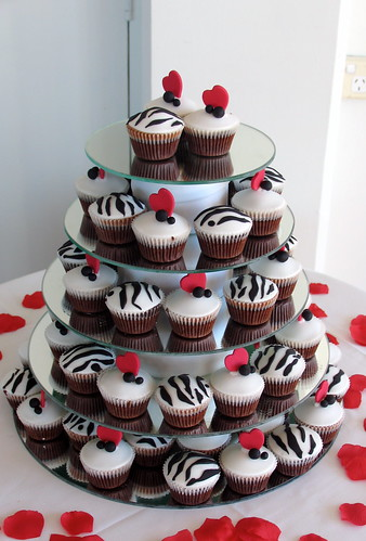 Wedding Cupcakes Black white red themed
