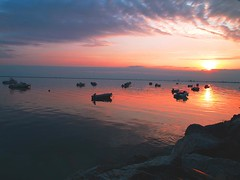 kalohori-thessaloniki (evamathemat) Tags: sunset sea sky sun nature clouds boats eva greece thessaloniki reflexion salonica makedonia kalohori evamathemat