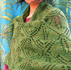 kellokukka (darktrico) Tags: wool tricot knitting lace yorkshire 4 shawl chale finnish rowan tweed laine ply kellokukka