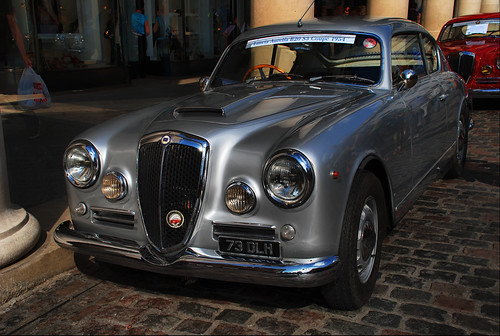 Lancia in the Piazza 08