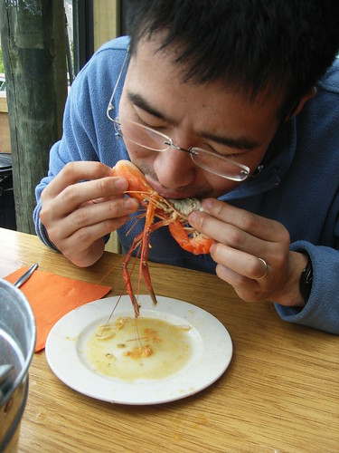 How to eat a prawn