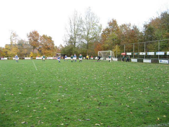 voetbal 02-11-07 049