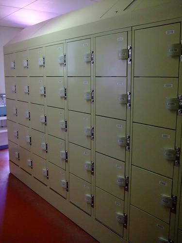 全滿的置物櫃