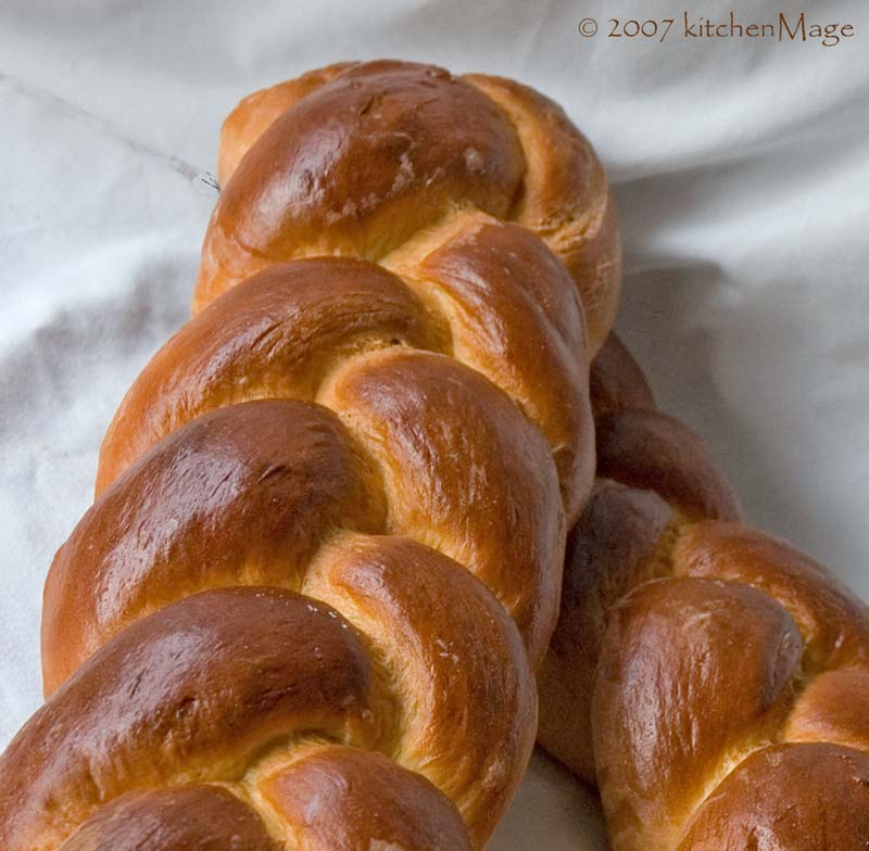 challah loaves