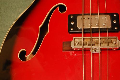 identifier vintage bass