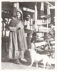 Great Great Great Aunt Mary Foust, her dog pen, and her loom in Foust Hollow, Anderson Co., Tennessee (David C. Foster) Tags: dog wool vintage tennessee anderson logcabin weaver weaving weave loom teddyroosevelt foust andersoncounty eoshe maryfoust