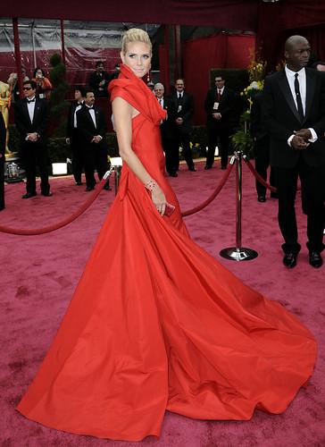 Heidi Klum modelando Premios Oscar 2008