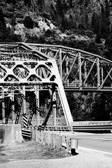 Twins of the Feather River (WCDiehl) Tags: railroad bridge trains unionpacific featherriver westernpacific burlingtonnorthernsantafe keddiecalifornia