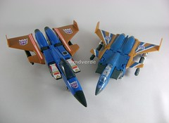 Transformers Dirge Classic Henkei vs G1 - modo alterno