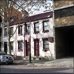 Former home of Juanita Nielsen. (Stu.Brown) Tags: 6x6 rollei rolleiflex nc sydney australia crime 400 sl66 kingscross portra victoriast juanitanielsen