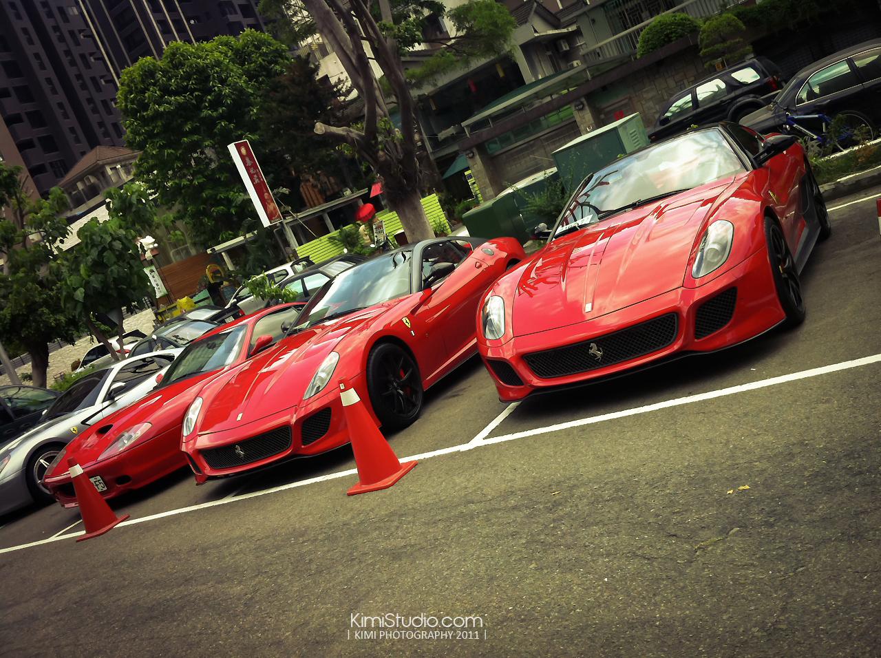 Ferrari 2011.06.10-012