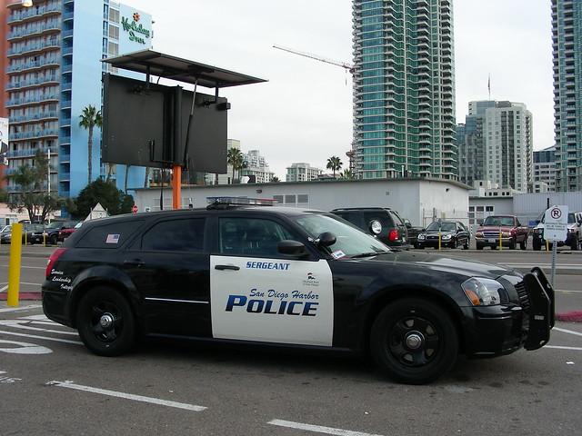 cops sandiego police policecar dodge magnum stationwagon copcar portofsandiego harborpolice