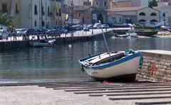 """Porto Castellammare del golfo (""""pipopipo"""") Tags: barca mare porto sicily sicilia castellammaredelgolfo canoniani maluchiffaritime flickrsicilia"""