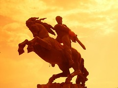 - David of Sasun (Alexanyan) Tags: city sunset sun david colour monument war arabic capitol arab armenia hero yerevan citta armenian armenio armenien caucas armenie armeno caucasia 5photosaday erevan jerevan sasoun sasun hayastan sasountsi armenienne hayasdan tavit armenisch armenier   rmenyorszag rmeny updatecollection