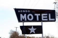 hondo motel sign